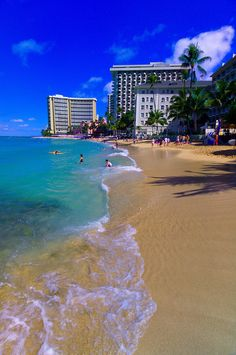 Waikiki Beach - Honolulu, Oahu, Hawaii. How I love this view...but I prefer lying out in front of that beautiful pink hotel in the distance ;-)