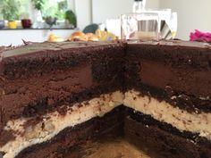 Stone cake (chocolate, chestnut and plum) Cake Chocolate, Tiramisu, Plum, Stone, Ethnic Recipes, Food, Homemade, Pies, Bolo De Chocolate