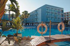 Piscina del hotel #h10playasdemallorca #playasdemallorca #h10 #h10hotels