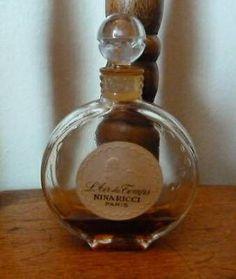 Vintage Nina Ricci L'Air du Temps in LALIQUE Crystal bottle.