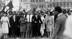 À l'occasion de la sortie du film «Selma» et des 50 ans du début des marches, le 7 mars 1965, retour sur un événement qui a changé l'Histoire des États-Unis. Les photographes de l'agence Magnum étaient sur place.