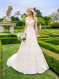 Organza Full A-Line Wedding Dress has a simple yet elegant appearance with a chic sweetheart neckline, perfect for a grand wedding. Moonlight Bridal Couture's Wedding Dresses With Straps, Designer Wedding Dresses, Bridal Dresses, Wedding Gowns, Lace Wedding, Spring Wedding, Dream Wedding, Wedding Bouquets, Prom Dresses