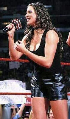 Stephanie Mcmahon Hot, Mcmahon Family, Hottest Wwe Divas, Becky Wwe, Wwe Female Wrestlers, Wwe Girls, Wrestling Divas, Wwe Womens, Sport Girl