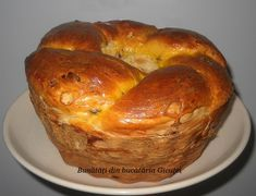 Cozonac cu fructe uscate Easter Recipes, Bagel, Deserts, Bread, Paste, Sweets, Brot, Postres, Baking