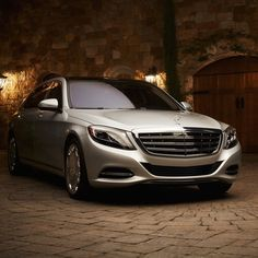 (by: mbusa ) [Mercedes-Maybach S 600  Fuel consumption combined: 11,7 (l/100 km)   CO2 emission combined: 274 g/km   https://www.mercedes-benz.com/de/mercedes-benz/external/rechtliche-hinweise/ ]
