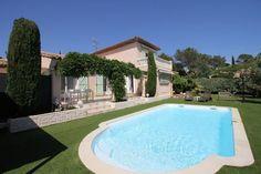 Le Val d'Or  Provençaalse woning met zwembad op 1 km van een golfbaan en 4 km van de Zee  EUR 1956.42  Meer informatie  #vakantie http://vakantienaar.eu - http://facebook.com/vakantienaar.eu - https://start.me/p/VRobeo/vakantie-pagina