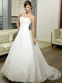 2013 Alluring Spring Applique Strapless Natural Lace Chapel Train Satin Wedding Dress for Brides
