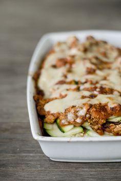feines gemüse: Zucchini-Lasagne mit Räuchertofu und Mandelcreme – (fast) besser als das Original, ja.