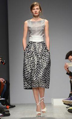 ep_anoui by Eva Poleschinski: A/W 2014 Dress For Success, Mercedes Benz, Berlin, Runway, Formal Dresses, How To Wear, Design, Fashion, Cat Walk