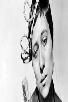 Marie Falconetti in Carl Theodor Dreyer's 1928 classic The Passion of Joan of Arc. Saint Joan Of Arc, St Joan, Jeanne D'arc, Jeanne D Arc Film, Joan Of Arc Film, Carl Theodor Dreyer, Thriller, Science Fiction, Peliculas Online Hd
