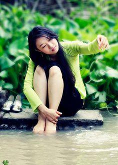 https://www.flickr.com/photos/aodaivietnamfanpage/11975645244/in/set-72157639820286445