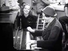 Chico playing the Piano - The Marx Brothers: At The Circus Watch ho Chico uses one finger in playing! Piano Music, My Music, Polka Music, Trailer Peliculas, Brothers Movie, Classic Trailers, Groucho Marx, Piano Player, Popular Music