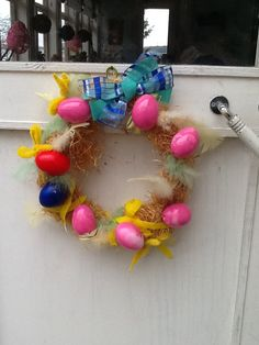 Our front door is telling our visitors happy Easter !