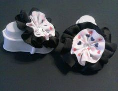 Adorable Infant Barefoot Sandals #hairbow #bow #hair #rainbow #barefootsandals #babybarefootsandals #hairclip #babyshowergift #gift #newbornshoes #sandals #babysandals #photoprops
