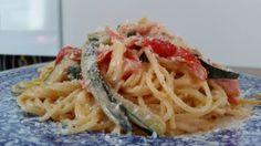 Spaghetti-con-salmone-zucchine-e-pomodorini/