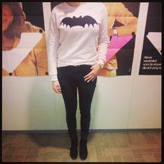 #VIVA's Anne draagt vandaag een batsweater van Zoe Karssen. We like! En jij? #vivabackstage