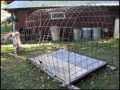 Ingenious! I could easily make this. It just gets covered with blind material. deer blind, invisible - Google Search