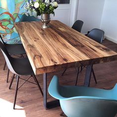 Dining table solid wood table made of old oak wood www.- Esstisch Massivholztisch aus Eichenholz-Altholz www.holzwerk-hamb… Dining table solid wood table made of old oak wood www. Wooden Dining Table Designs, Wood Table Design, Dining Table Legs, Wooden Dining Tables, Oak Table, Dining Room Design, Rustic Wood Dining Table, Design Tisch, Solid Wood Dining Table