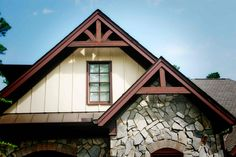 Add distinction to your home with Gable Brackets and trusses handcrafted from Western Red Cedar in several different sizes, pitches, and surface textures. Corbels Exterior, Exterior Trim, Exterior Design, Gable Brackets, Wood Brackets, Cottage Exterior, Modern Farmhouse Exterior, House With Porch, House Front