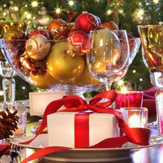 5 Musts For The Perfect Christmas Table