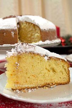 Greek New Year's lucky cake (Vasilopita) New Year's Desserts, Greek Desserts, Greek Recipes, Delicious Desserts, Vasilopita Cake, Vasilopita Recipe, Greek Cookies, Cake Cookies, Greek Cake