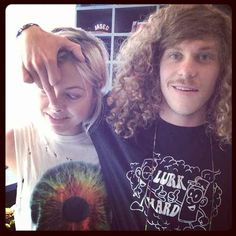 Blake Anderson proposed to his girlfriend, Rachel Finley, on the spot when she told him she had been diagnosed with cancer. They tied the knot last September. Blake Anderson, Boho Grunge, Tie The Knots, Best Couple, Pretty Woman, Girlfriends, Dreadlocks, T Shirts For Women, Couples