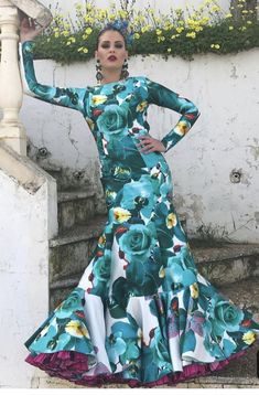 50 Fashion, Fashion Dresses, Botanical Fashion, Pose, Spanish Fashion, Dress Suits, Flamenco Dresses, Dance, Costumes