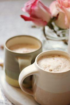 Ginger Cinnamon Vanilla & Maca Moon Milk Hot drinks l lattes l matcha latte l chai latte l hot drink recipes l coffee recipes l fancy tea l afternoon tea l hot chocolate Yummy Drinks, Healthy Drinks, Healthy Recipes, Refreshing Drinks, Nutrition Drinks, Healthy Food, Vegan Tea Recipes, Healthy Desserts, Low Carb Diets