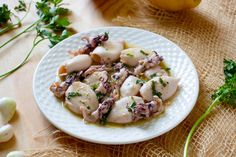 Grilled Squid, Olive Oil Dressing, Light Olive Oil, Shellfish Recipes, Fish And Seafood, Potato Salad, Grilling, Easy Meals, Ethnic Recipes