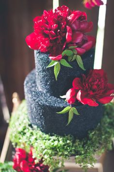 Dark Red Flowers on Black Wedding Cake | photography by http://onesummerdayphoto.com