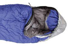 Kunstfaserschlafsäcke sind oft preiswerter als Daune und unempfindlich gegen Feuchtigkeit - hier die Top-10 aus unseren Tests.