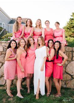 vestidos de dama de honor de coral con correas
