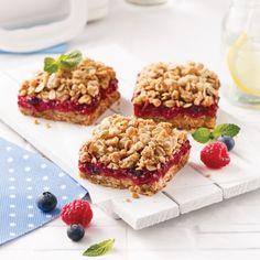 Carrés aux petits fruits - Recettes - Cuisine et nutrition - Pratico Pratique Cheesecake Pie, Mousse, Waffles, French Toast, Vegan, Baking, Breakfast, Magazines, Food