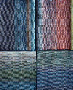 2015~2016Hand-woven scarves No.28.29.30.31Warp Extra fine merino wool yarnWeft  Cashmere yarn24cm×158cm