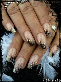 The wedding manicure - the beauty of the bride is in the smallest details - My Nails French Nail Designs, Beautiful Nail Designs, Beautiful Nail Art, Gorgeous Nails, Pretty Nails, Cute Acrylic Nails, Acrylic Nail Designs, Nail Art Designs, Silver Nail Art