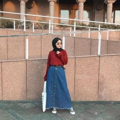 Style Hijab Casual Simple Rok Jeans Ideas For 2019 Hijab Casual, Hijab Chic, Ootd Hijab, Trendy Fashion, Fashion Outfits, Dress Fashion, Jeans Fashion, Trendy Style, Simple Style