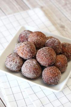 gluten free vegan cinnamon sugar donut holes - Sarah Bakes Gluten Free