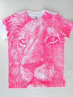 Lucky Fish - Neon pink lion T