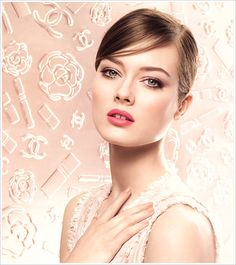 Today I wanto to show you one of the most expected make up collection: Printemps Precieux by Chanel. Peter Philips, creative director at Chanel make up, th Simple Bridal Makeup, Wedding Makeup, Wedding Hair, Romantic Makeup, Wedding Dress, Bridal Beauty, Simple Makeup, Bridal Hair Updo, Bridal Hairstyles