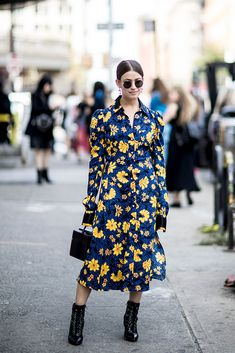 Street Style: New York Fashion Week Spring 2018 - theFashionSpot