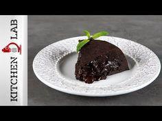 Σουφλέ σοκολάτας στη χύτρα ταχύτητας από τον Άκη Πετρετζίκη. Φτιάξτε το πιο σοκολατένιο γλυκό, το σουφλέ στη χύτρα ταχύτητας! Τέλειο γλυκό για κάθε μέρα! Pudding, Sweets, Desserts, Cakes, Food, Youtube, Tailgate Desserts, Deserts, Gummi Candy