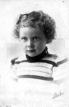 Edith Helena Bartels and her parents were in hiding until they were later discovered by the Nazis. The family was deported to Auschwitz on October 6, 1944 and only Edith was sadly murdered a couple days later. The parents survived throughout the war.