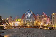 Edifício Lotus e Parque Popular,© John Gollings