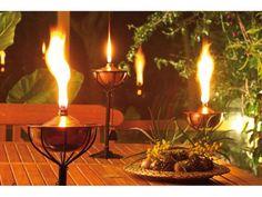 Utiliza las antorchas para deslumbrar a tus invitados en cualquier evento que realices en el exterior. En #Catral disponemos de varios modelos de mesa y suelo. #deco #garden #decoracion