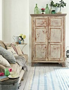 Mixing Rustic with Pastels