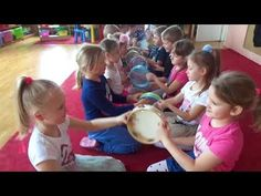Ucha nadstawiam słucham jak gra, muzyka we mnie - w muzyce ja - YouTube Preschool Music, Preschool Learning Activities, Music Activities, Teaching Music, Music For Kids, Yoga For Kids, Music Education Games, Music Maniac, Rhythm Games