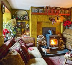 Wendy Boonstra Has Made A Cosy Home Of An 18th Century Country Cottage