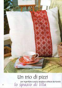 lo spazio di lilla: A gentile richiesta...: le strisce a filet per il mobile classico Lace Tape, Crochet Art, Gentile, Throw Pillows, Hobby, Blog, Placemat, Pattern, Toss Pillows