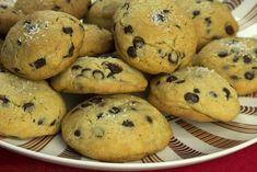 Τα παντα για τα τελεια Chocolate Chip Cookies Sweets Recipes, Cooking Recipes, Desserts, Biscuits, Chocolate Chip Cookies, Muffin, Chips, Breakfast, Cake