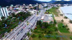 Avenida da Praia de Caraguatatuba.